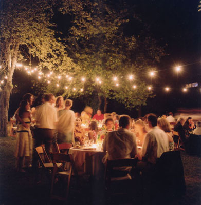 Backyard Wedding Ideas on Get Social And Fan Us On Http   Www Facebook Com Vibrantbride