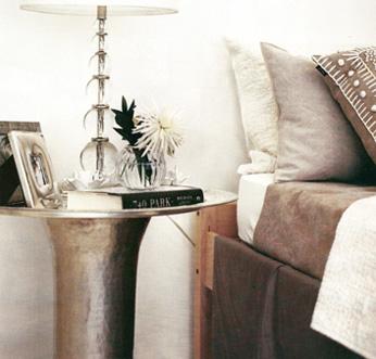 Bulb_lamp_elle_decoration_sept_07